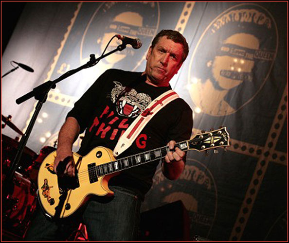 STEVE JONES with the SEX PISTOLS and WILD THING T-shirt at Brixton ...
